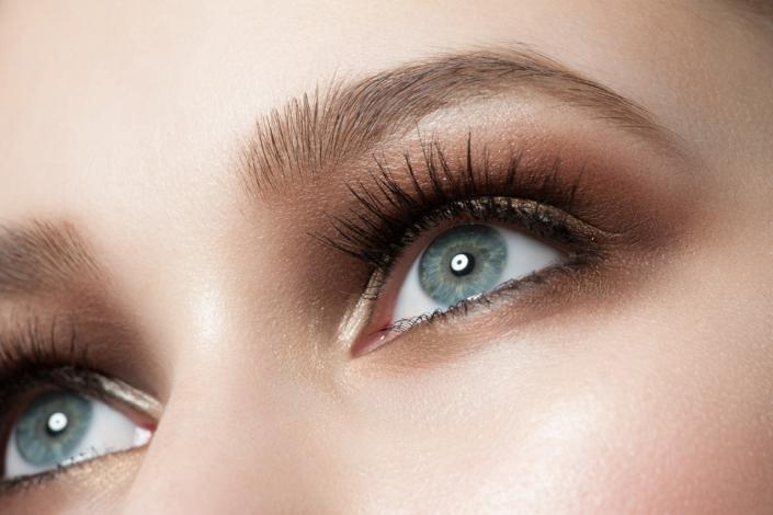 Neyes Augenbrauen mit Kunstwimpern